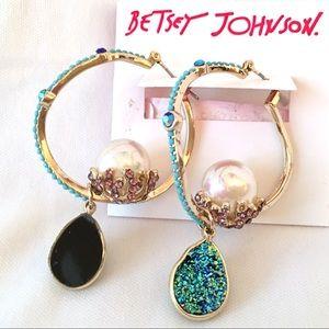 Betsey J 'Glitter Reef' Hoop Pearl Earrings  NWT